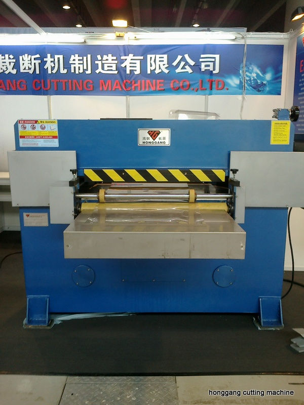 clear box die cutting machine and creasing machine