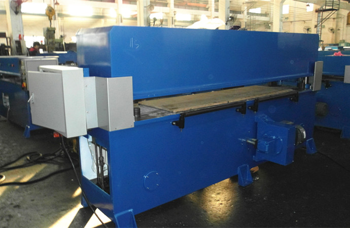 1100x1600mm Hydraulic cutting machine with large table