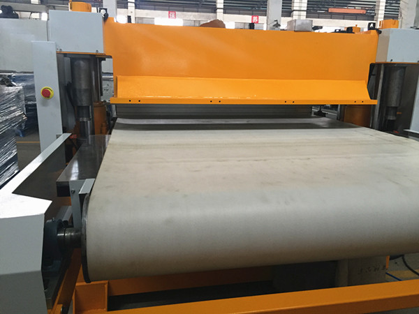roller feeding hydraulic die cutting press