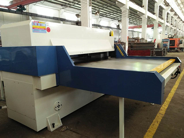 customized large cutting table machine